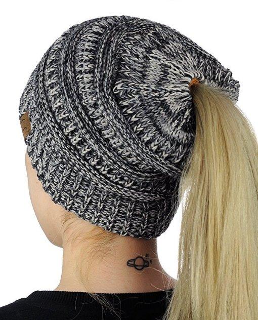 Black White 510x632 - Touca de Croche Feminina com Rabo de Cavalo