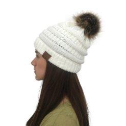 White 247x247 - Touca de Croche Feminina com Pom Pom