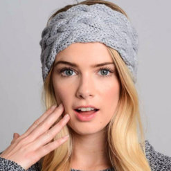mulher de touca 247x247 - Touca de Croche Feminina Trançada Aberta