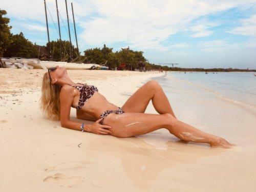 Biquini Fiji photo review